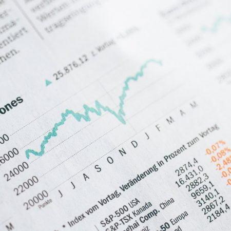 Vælg den rigtige handelsplatform til dine aktier